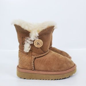 Girls UGGS very warm boots size 7